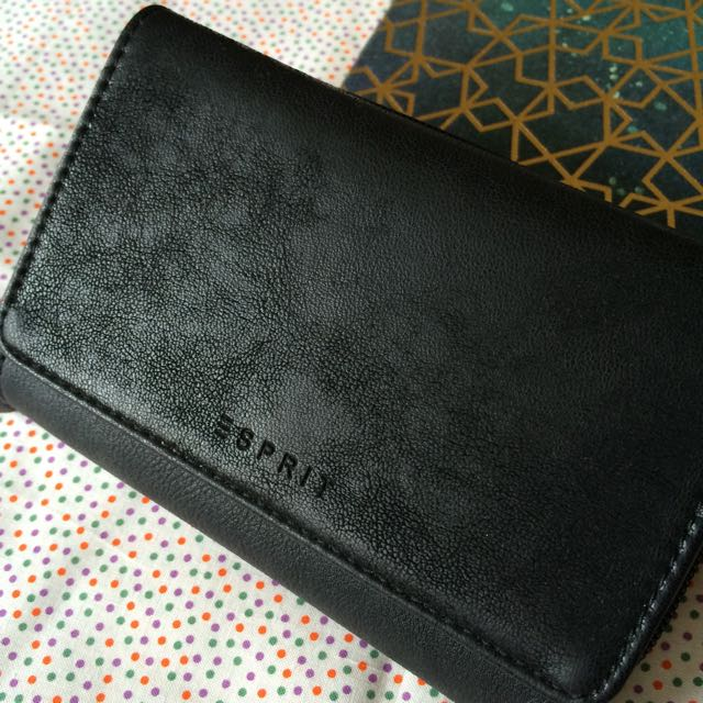 Authentic ESPRIT wallet from Australia