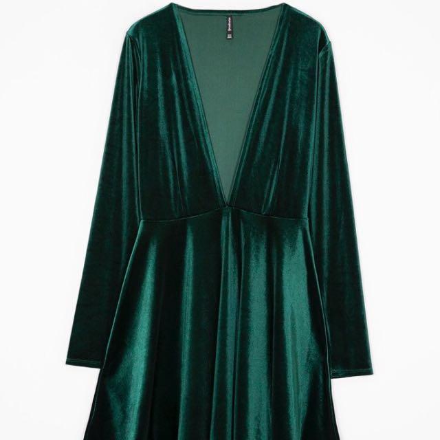 [NEGO] Green Velvet Dress by Stradivarius