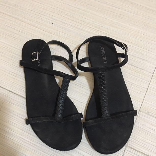 H&M Flat Sandals