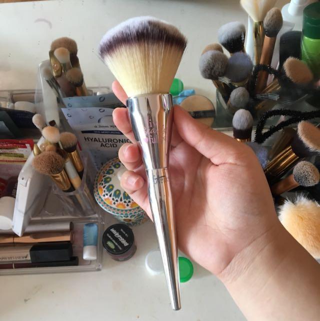 It Cosmetics ( Replica) Brush