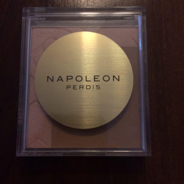 Napoleon Perdis Highlighting And bronzing Powder In 'Love shine'