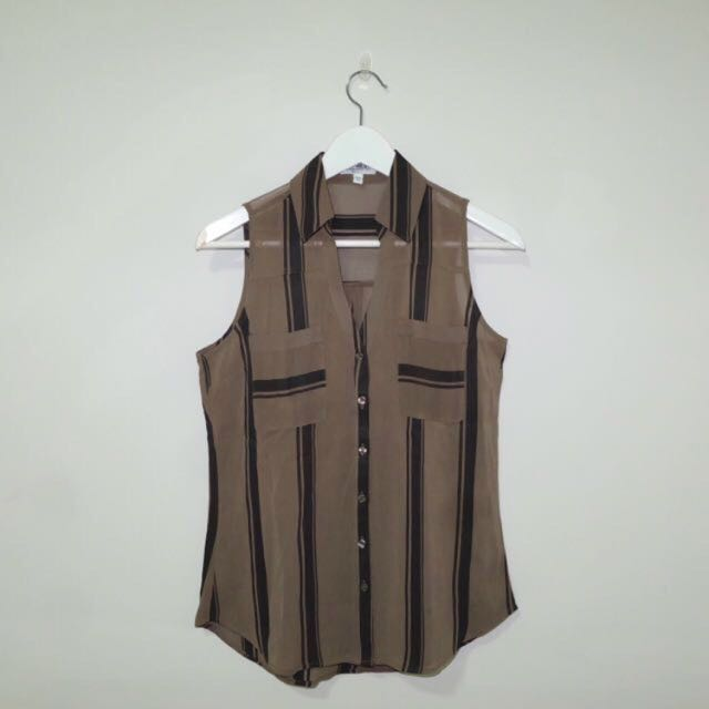 NEW! Brown Collar Tops