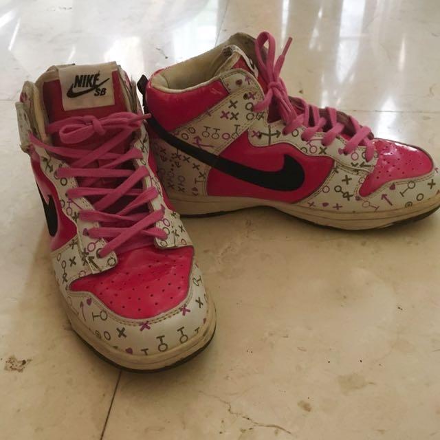 Nike SB Pink