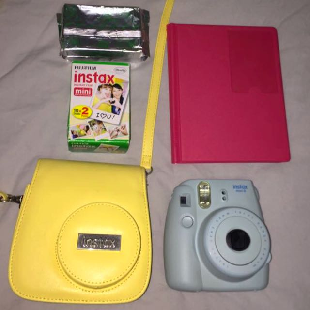 Polariod Camera + Film + Album + Bag/ Case