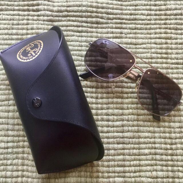 Ray-Ban Aviator Sunglasses UV Protection