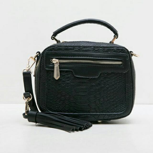 Sling Bag By Berrybenka