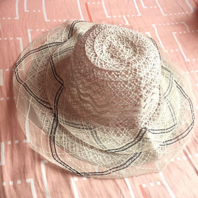 Topi Pantai
