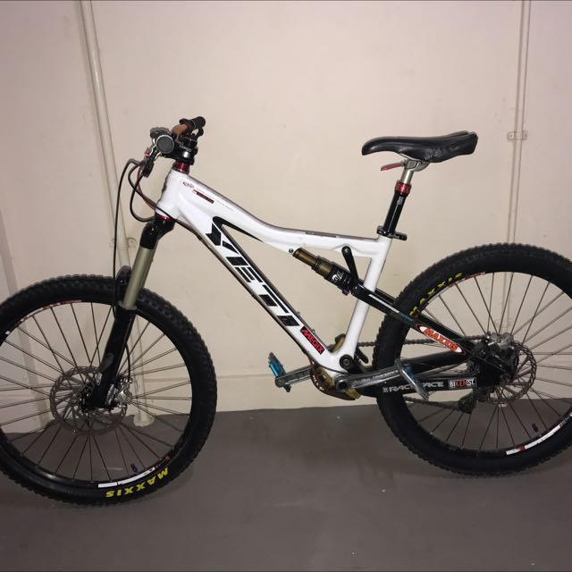 YETI ASR 5 Carbon, Bicycles & PMDs, Bicycles on Carousell