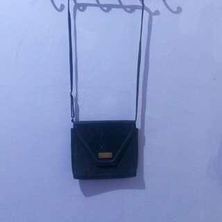 BRANDED BAG SERBA 100 RIBU