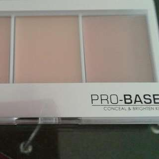 MUA Conceal And Brighten Pallette