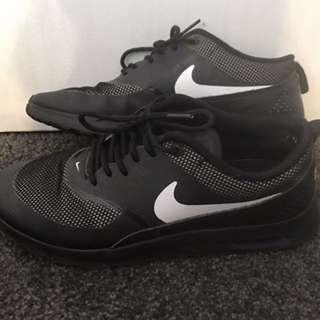 Nike Air Max Theas