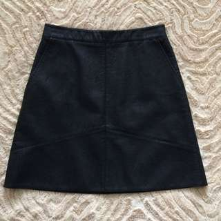 ZARA FAUX LEATHER SKIRT                     SIZE SMALL