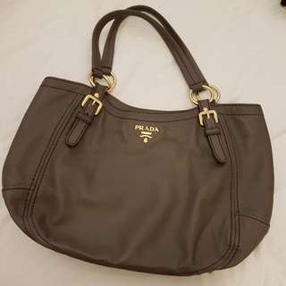 🚚 Prada Leather Bag (Sold as is)