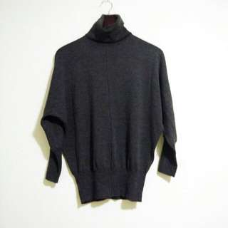 Club Monaco Charcoal Grey Merino Wool Batwing Sweater Size Small