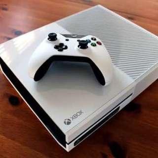 XBOX ONE WHITE (RARE) 500GB w box