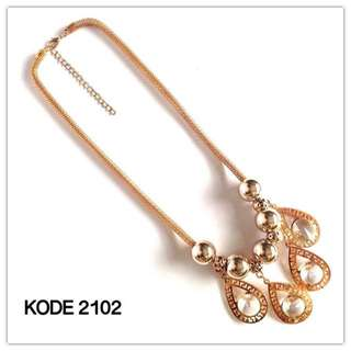Necklace 2102