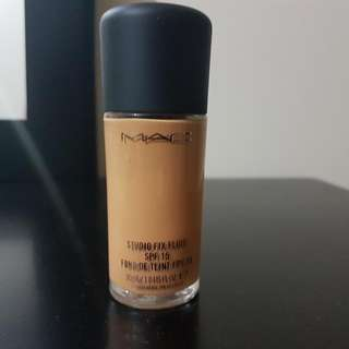 MAC Studio Fix Foundation - Nc42