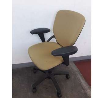 Office Chair- Japan's Surplus Office Furniture