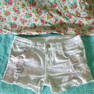 White Shortpants