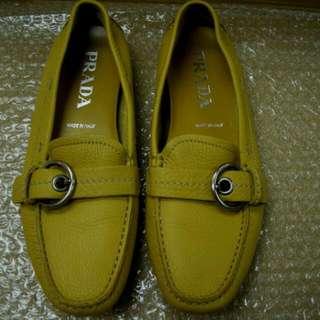 Prada Yellow Color Loffa