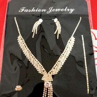 1 Set Perhiasan Cantik