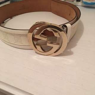 Gucci 白色金扣belt