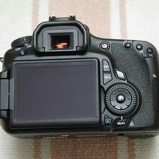 Canon 60D good Condition box strap Camera, Charger.