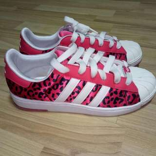 Authentic Adidas Ladies Sneakers In Leopard Prints, Color: Hot Pink, Size 39.