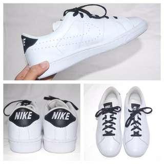 Nike Classic Sneakers