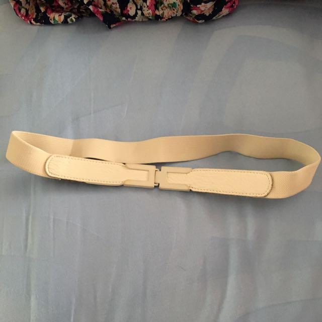 belt putih