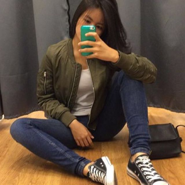 bomber pull and bear olive size s only