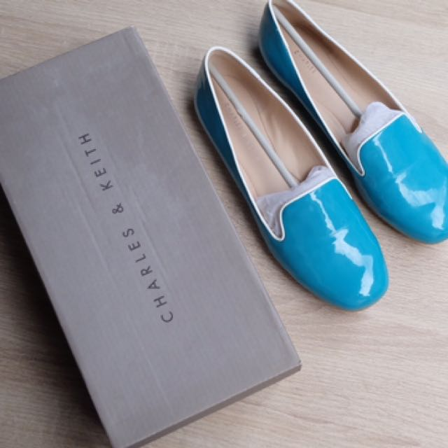 CHARLES & KEITH - Turqouise Flat Shoes