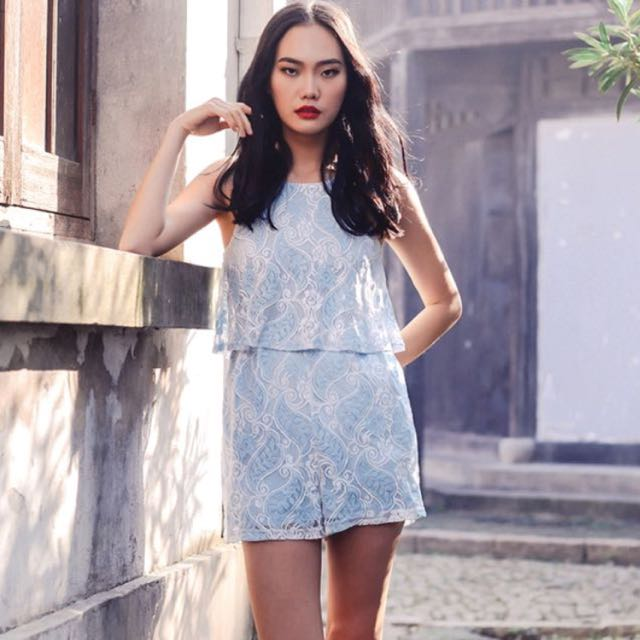 78c09cb8bb7 INSTOCK  Fashmob Bridge Paisley Lace Playsuit Powder Blue