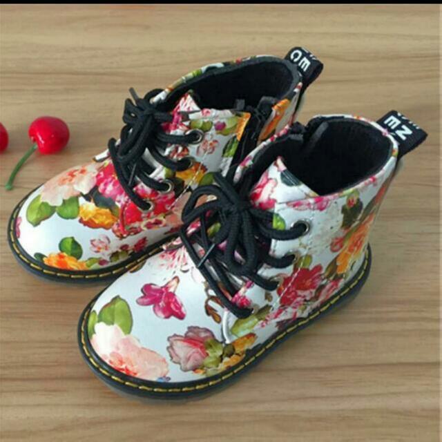 Neuestes Design Geschäft auf großhandel Floral Toddler Dr. Marten Inspired Boots, Babies & Kids ...