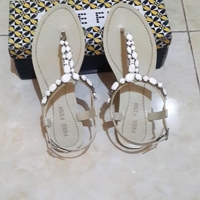 Ivory Sandals (Free Fish)