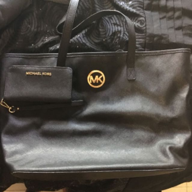 Michael Kors BAG AND WALLET DEAL