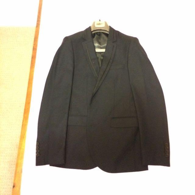 Muller's Suit