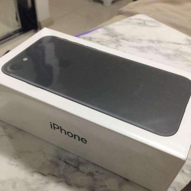NEW APPLE IPHONE 7 MATTE BLACK 32GB