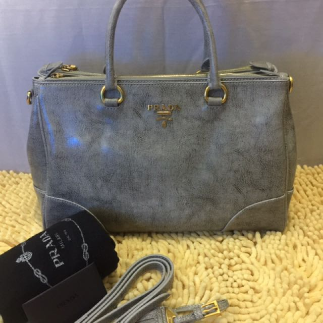 32d0b136bfa63b new zealand prada vitello shine double zip shopping tote satchel womens  fashion bags wallets on carousell