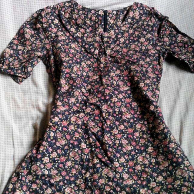 pre loved flowery dress