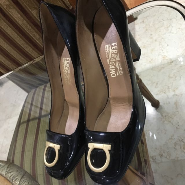 Salvatore Ferragamo Black Rebi Gancio Pumps