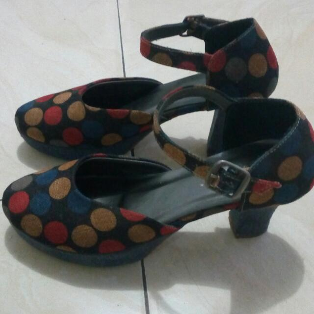 Sepatu Heells Polkadot