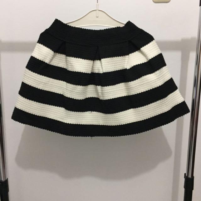 Skirt Avenue