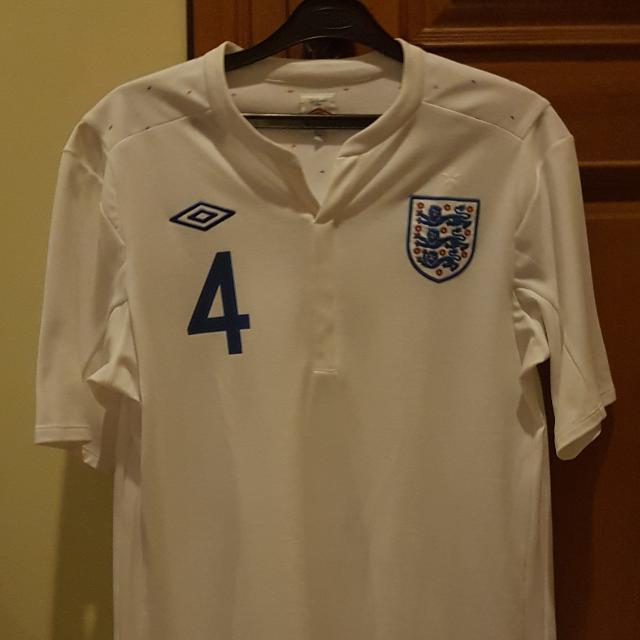 Steven Gerrard England Jersey 2011 (Ori)