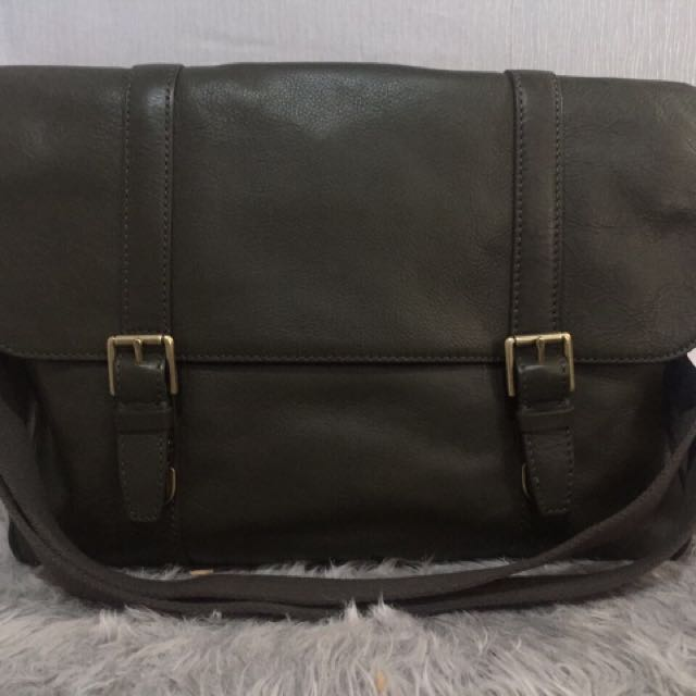 Tas Fossil Estate Messenger (BNWT) VVGC