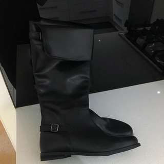 BRAND NEW FOREVER NEW BOOTS