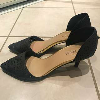 Woman Size 8.5 Pumps
