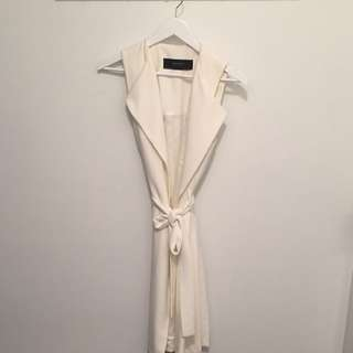 Zara Off white Sleeveless Topper