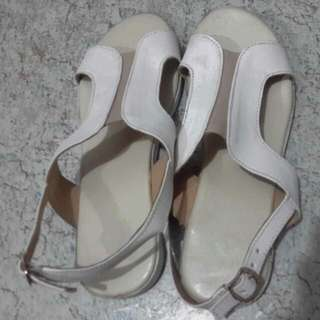 REPRICED!preowned sandals.. size 5.5 or 6 used once only..