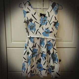 露比午茶藍色花洋裝